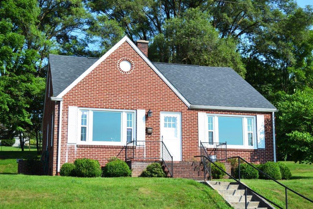 1470 W Monroe Street Property Photo 1