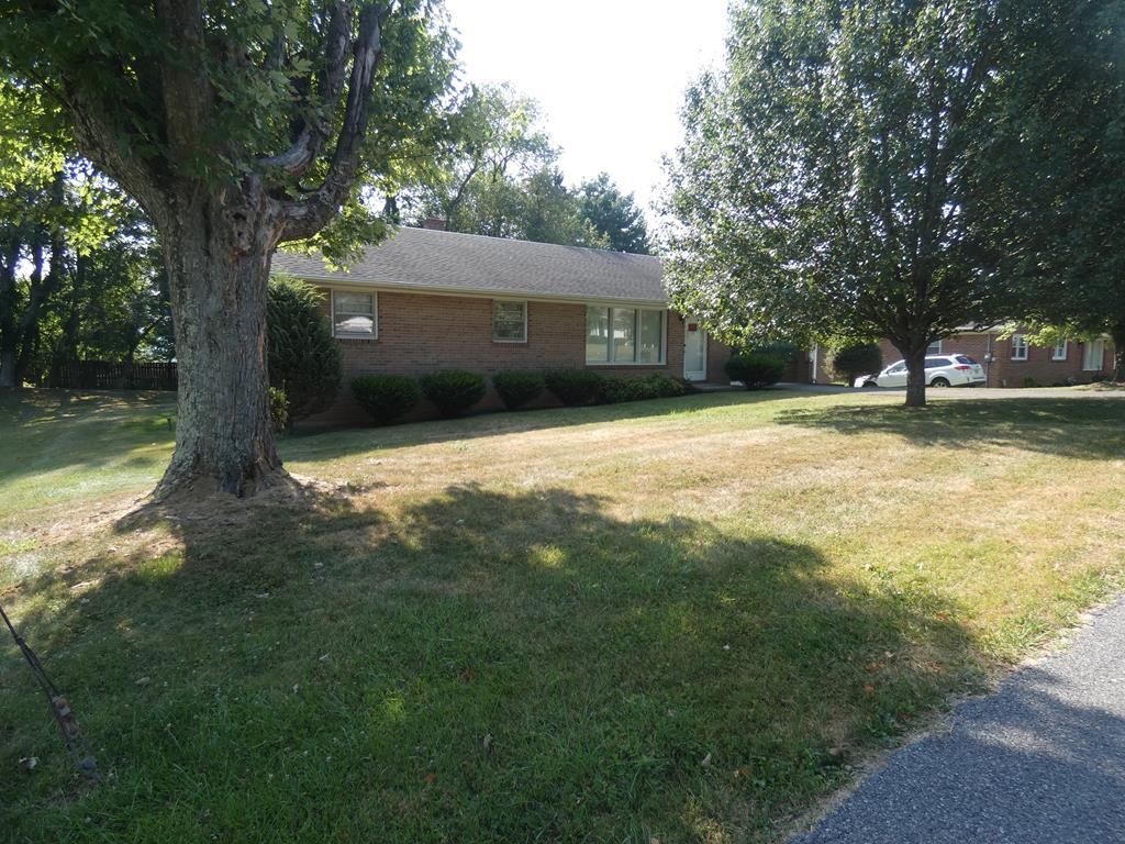 819 E. Coyner Ave. Property Photo 1