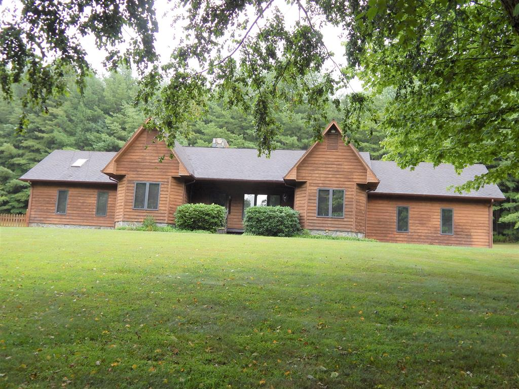 645 Oak Knoll Dr Property Photo 1