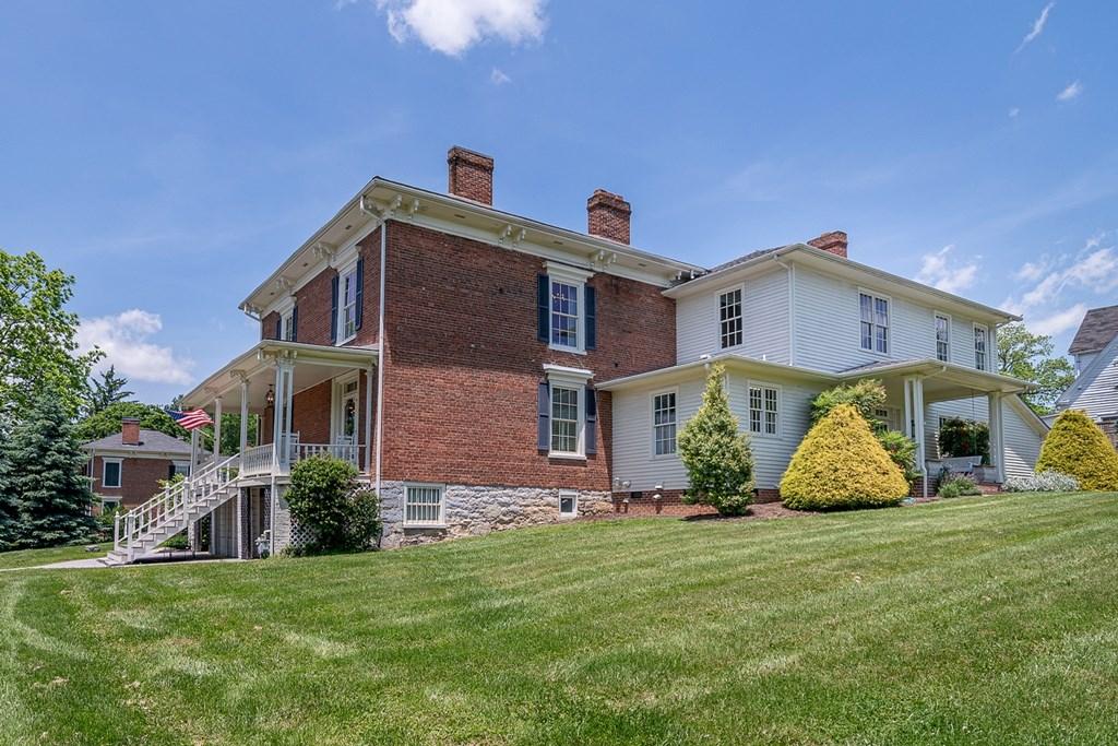 480 Church Street Property Photo 2