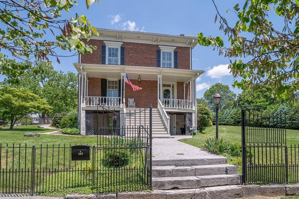 480 Church Street Property Photo 3