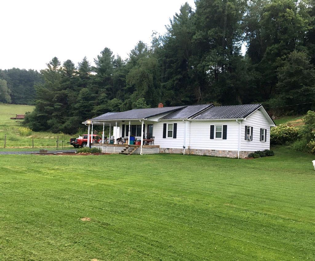 2060 Delhart Rd Property Photo 1