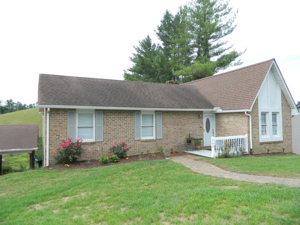 149 Crestwood Drive Property Photo 1