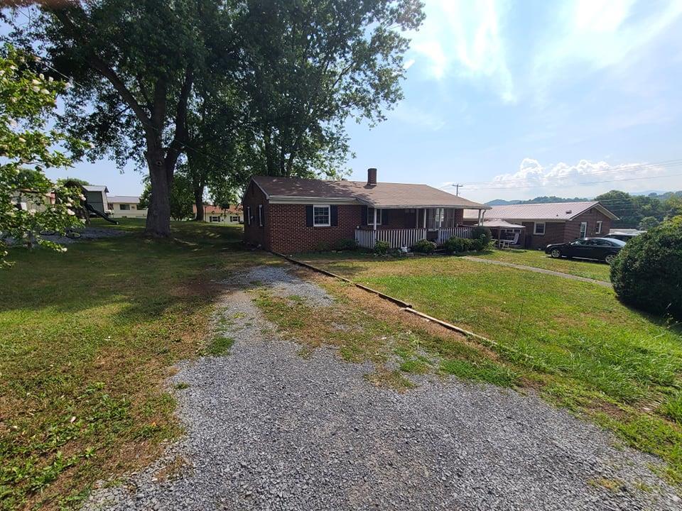 307 West Ave.. Property Photo 1
