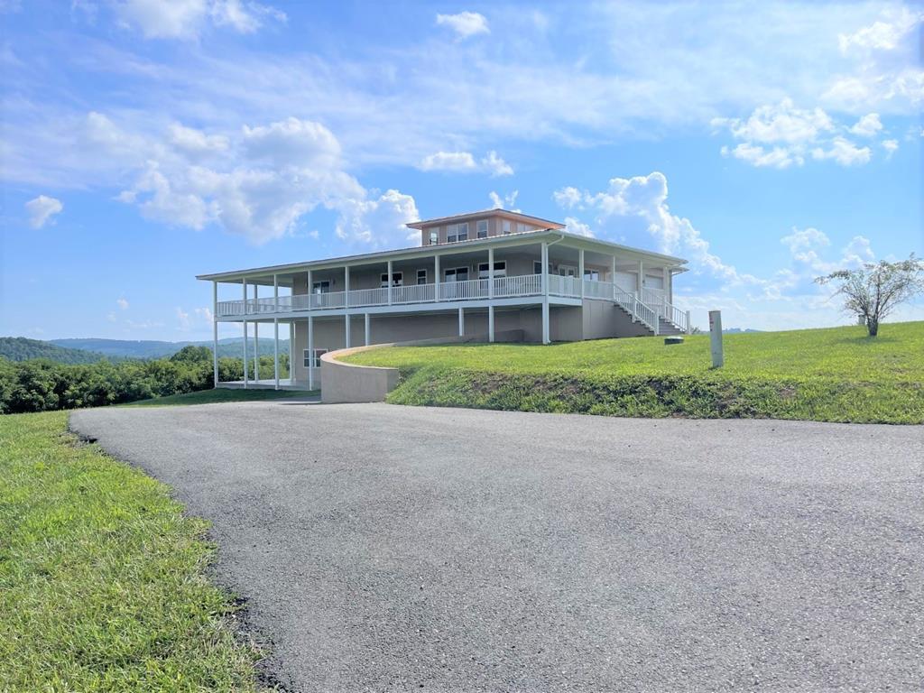 47 Crown Lane Property Photo 1