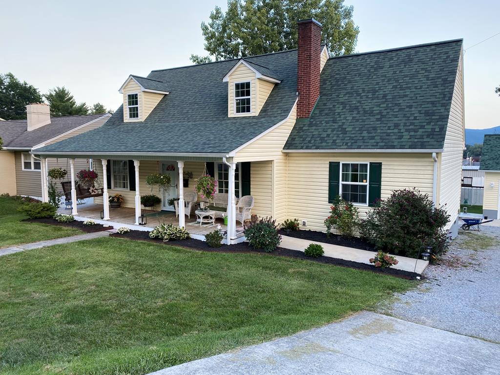 735 W. Pine Street Property Photo 1