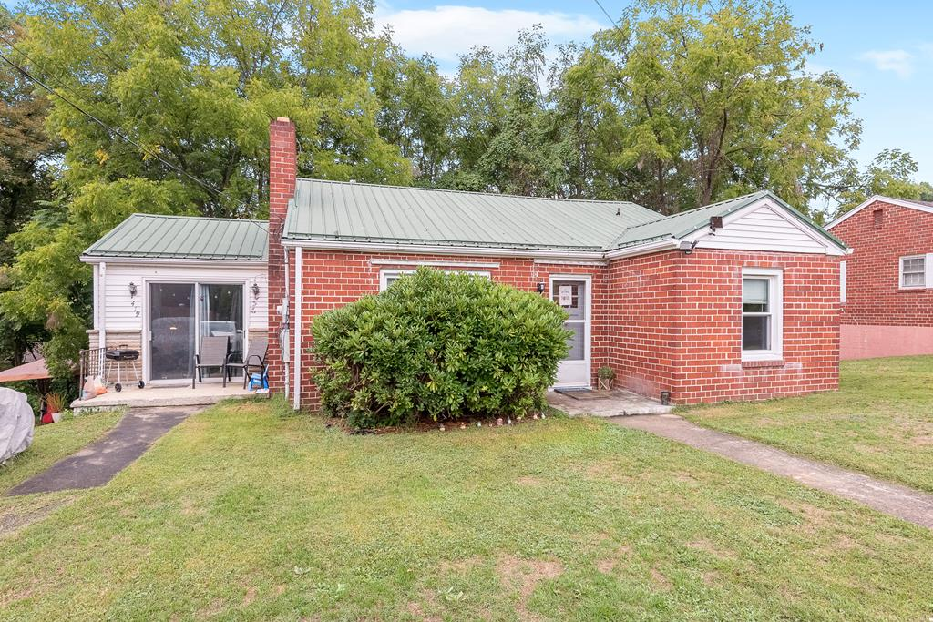 419 W Main Street Property Photo 1