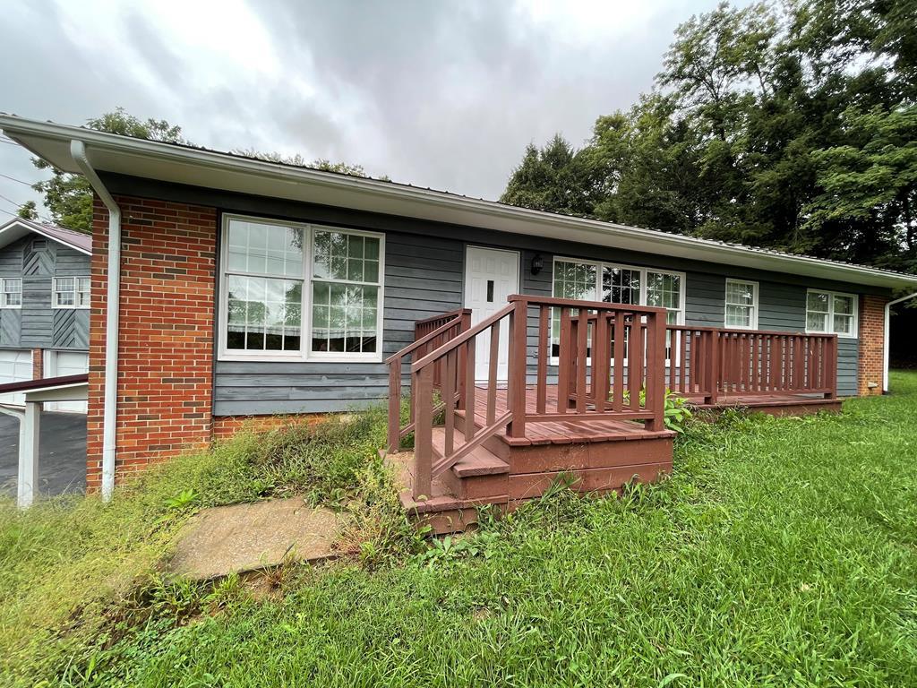206 Pendleton Ave Property Photo 1