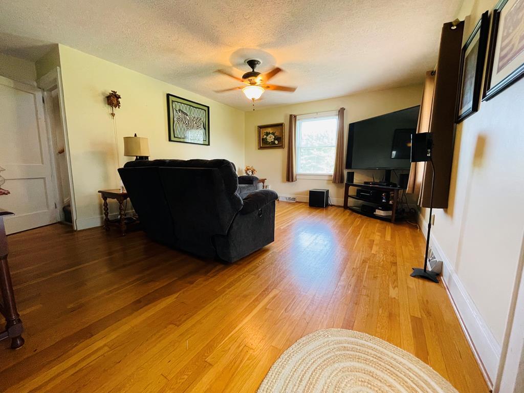 937 Hebron Rd. Property Photo 1