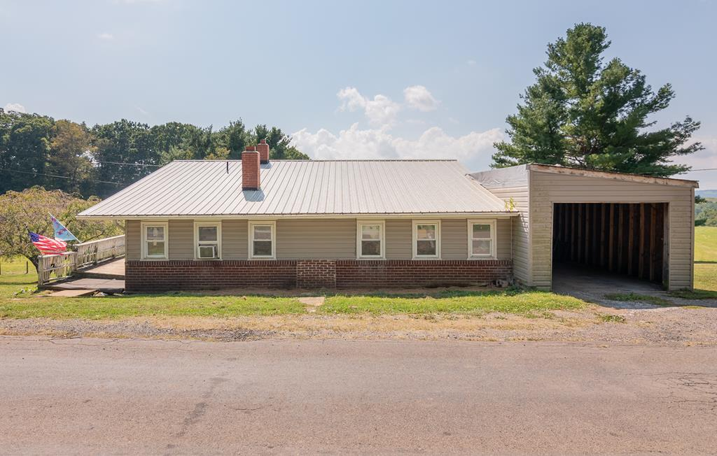 124 Frazier Rd. Property Photo 1
