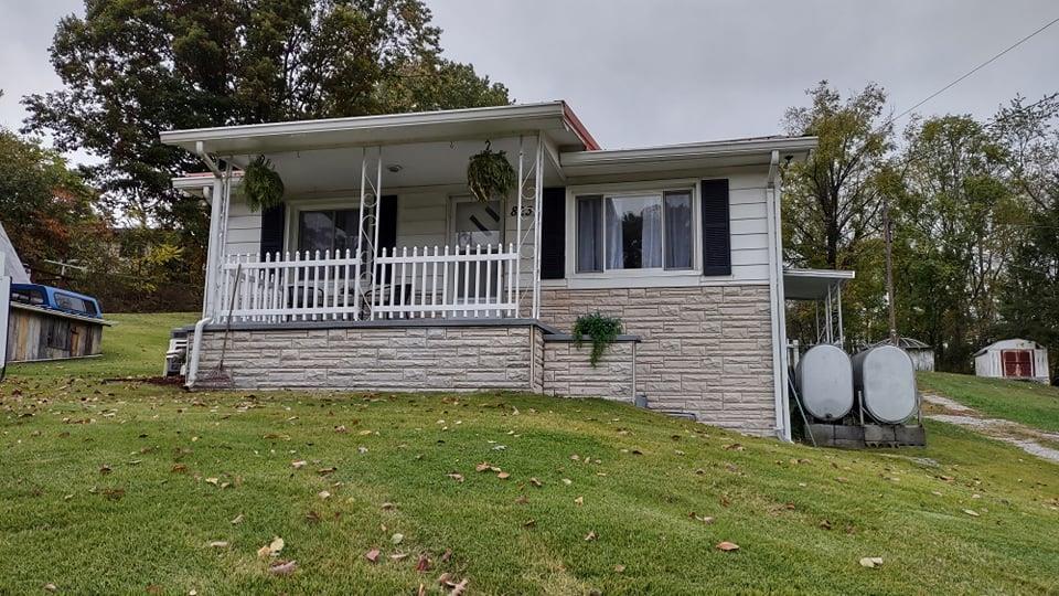 823 Grubmore Rd. Property Photo 1