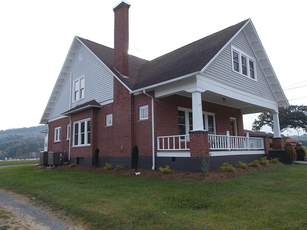 405 S Main St Property Photo 1