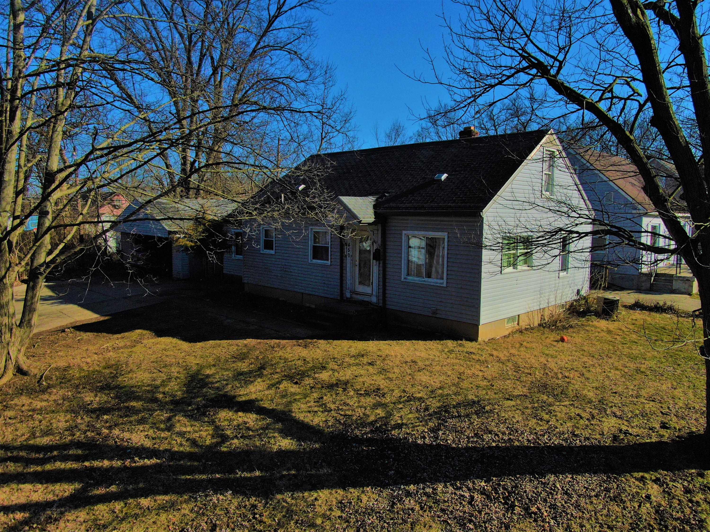 450 Lindenwood Road Property Photo