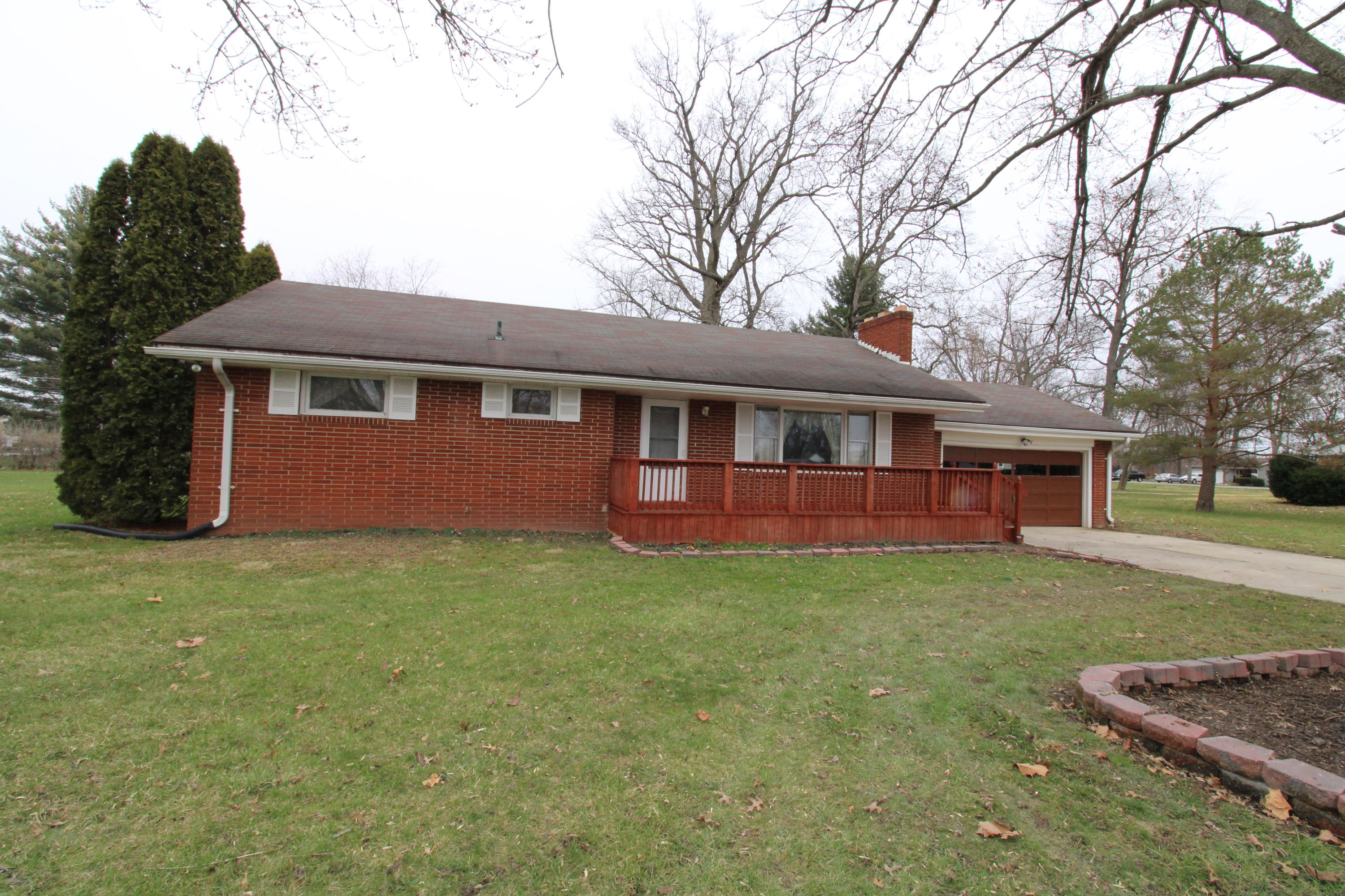 2040 Rosewood Lane Property Photo - Lima, OH real estate listing