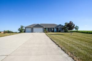 16030 Middle Road Property Photo - Wapakoneta, OH real estate listing