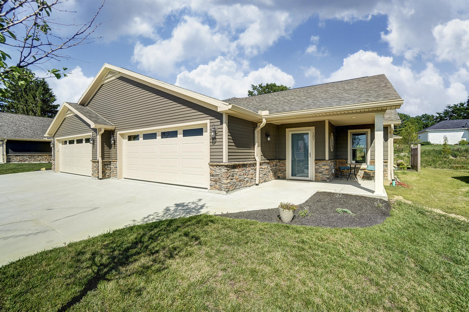 103 Willows End Property Photo - Bellefontaine, OH real estate listing