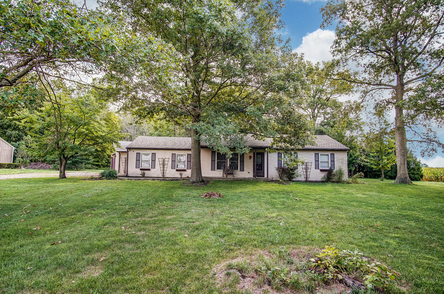 18683 Burris Road Property Photo - Rockford, OH real estate listing