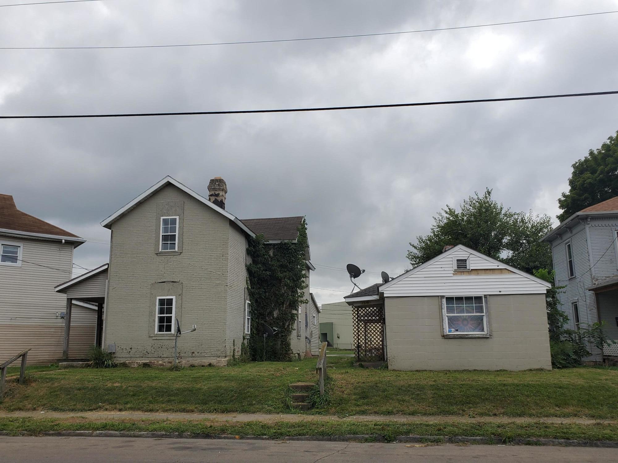 1221 Lagonda Avenue Property Photo 1