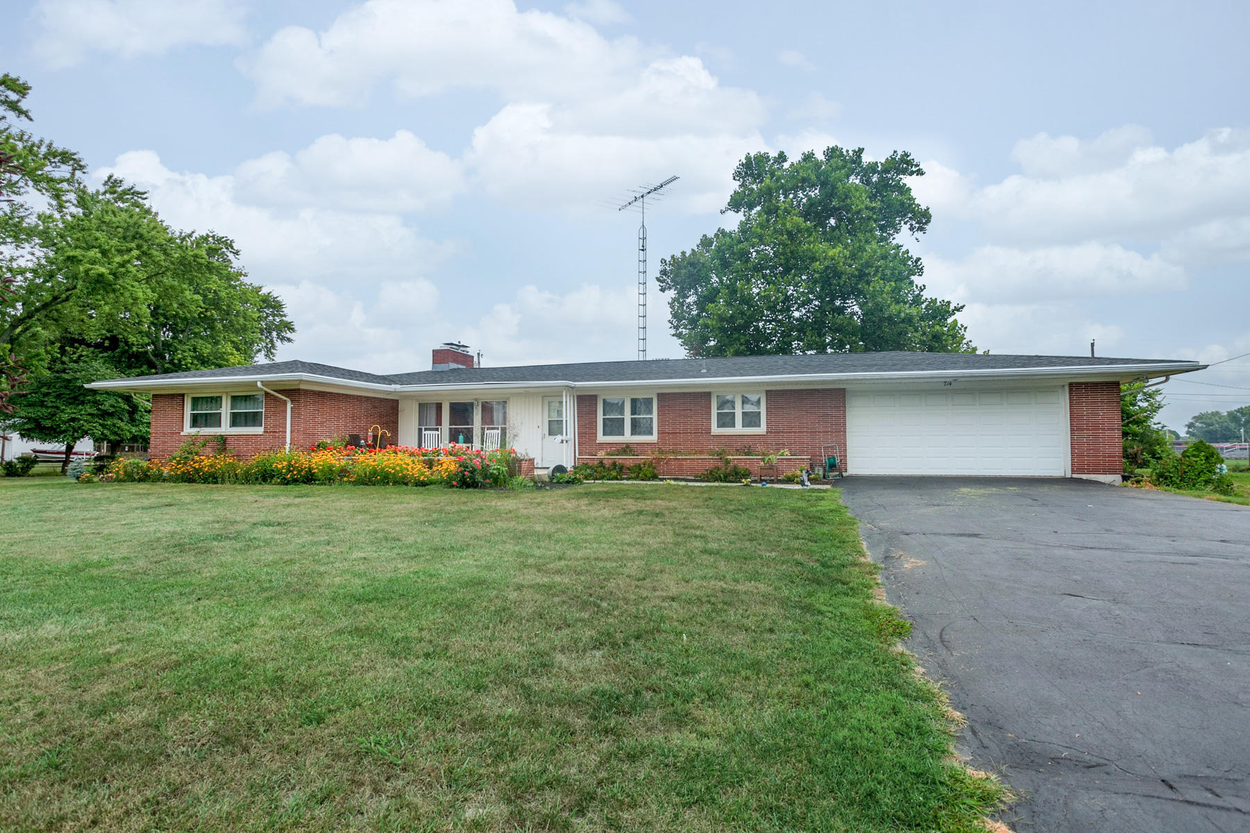 714 E Walnut Street Property Photo - Covington, OH real estate listing