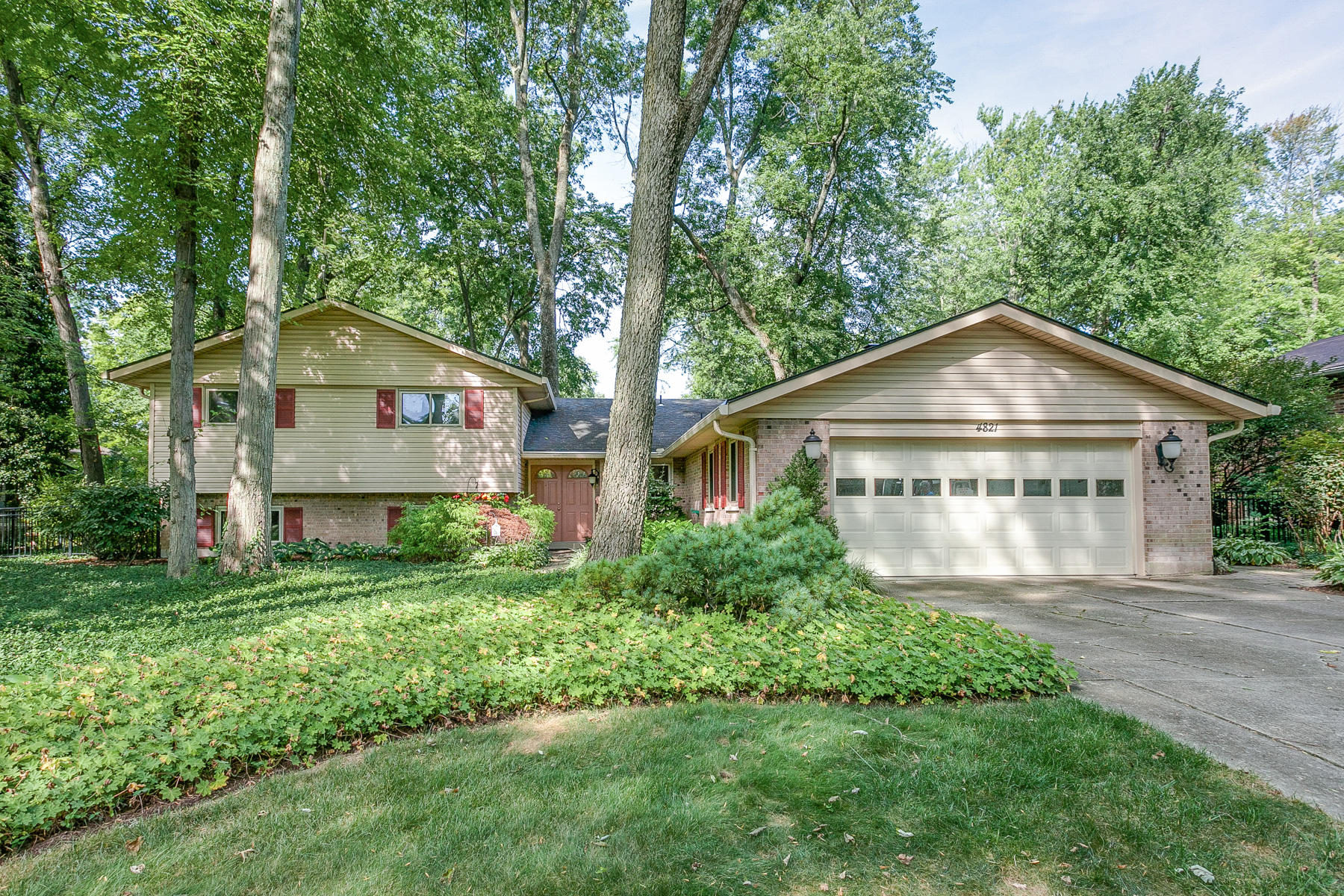 4821 Rean Meadow Drive Property Photo - Dayton, OH real estate listing
