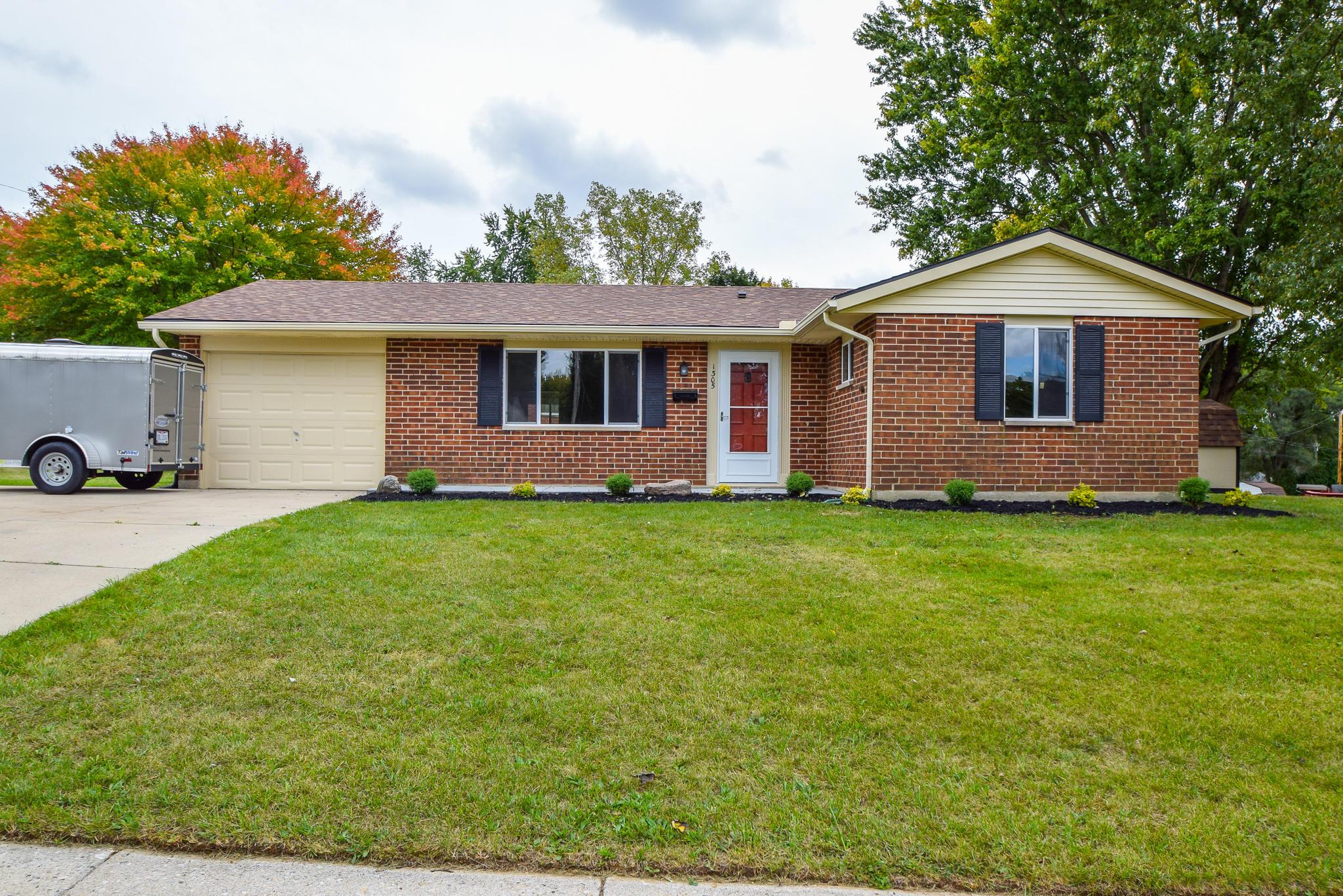 1305 Saratoga Drive Property Photo 1