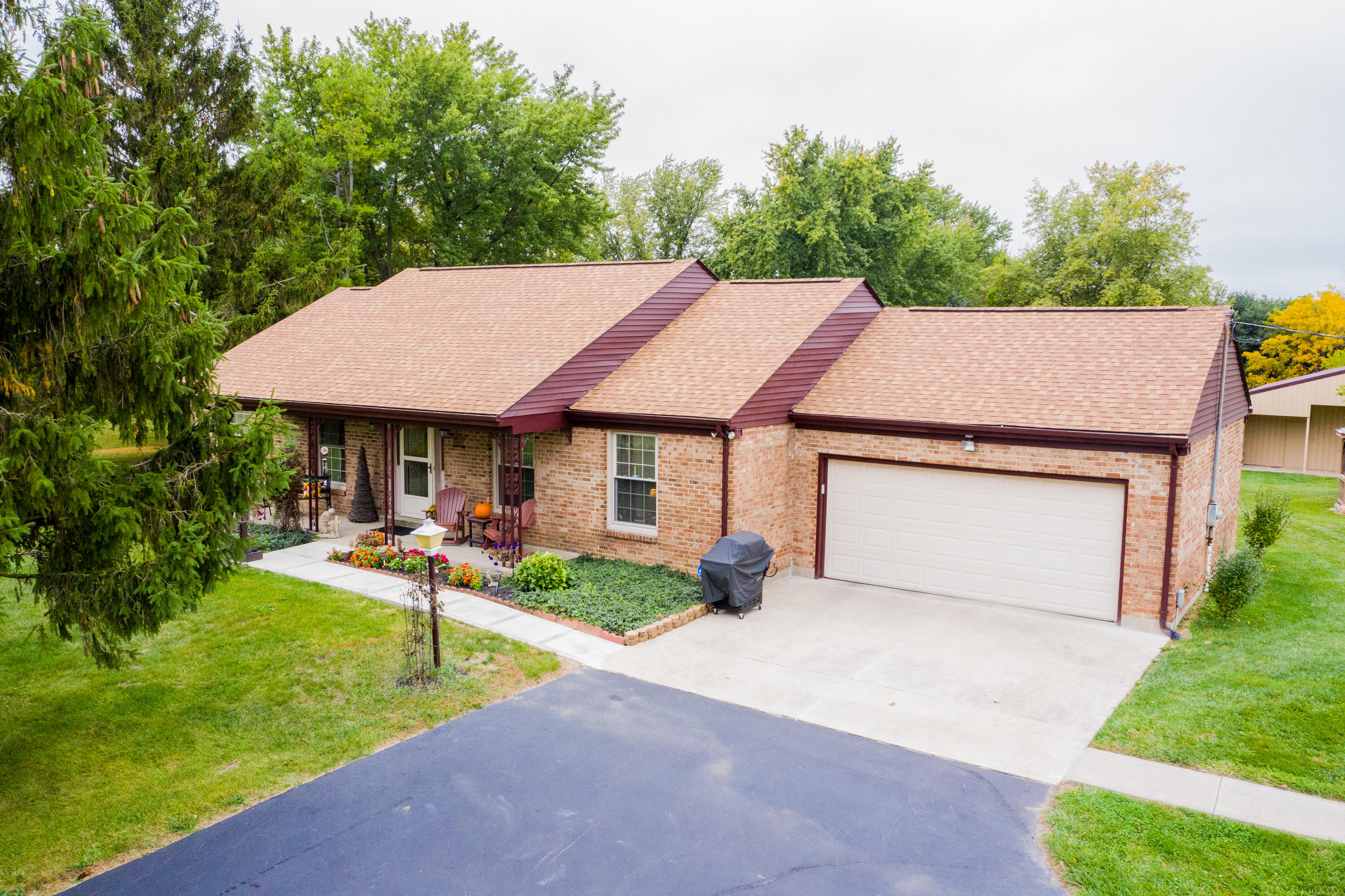 7560 Correll Maxey Road Property Photo - London, OH real estate listing