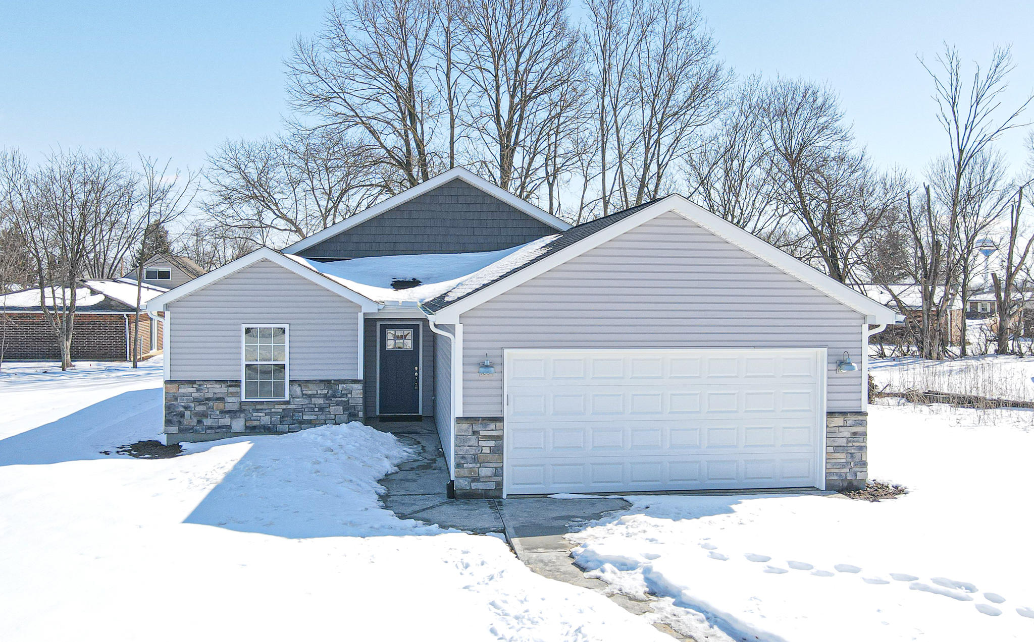 2655 Executive Drive Property Photo 1