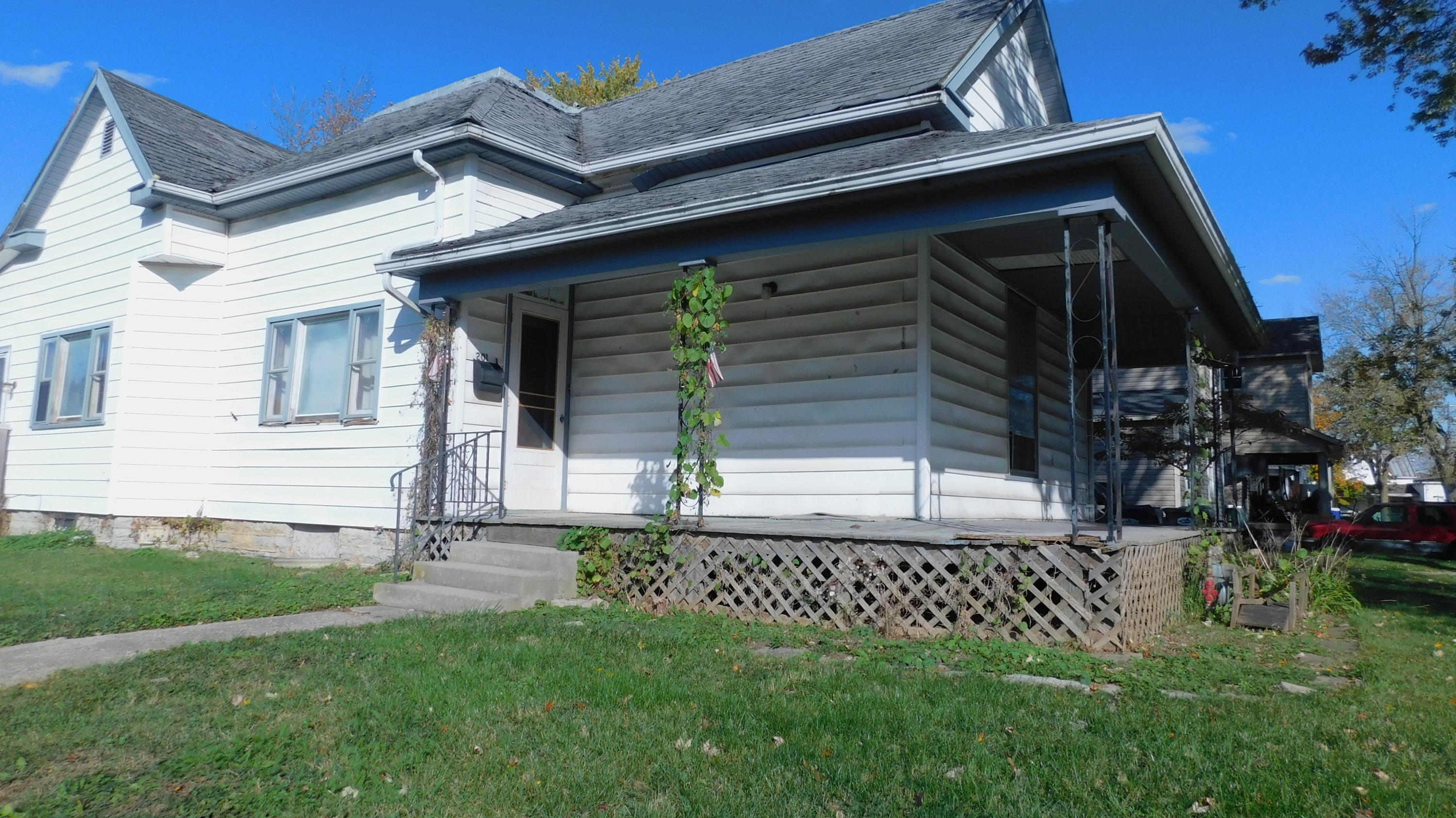 201 E Oak Street Property Photo - Union City, OH real estate listing