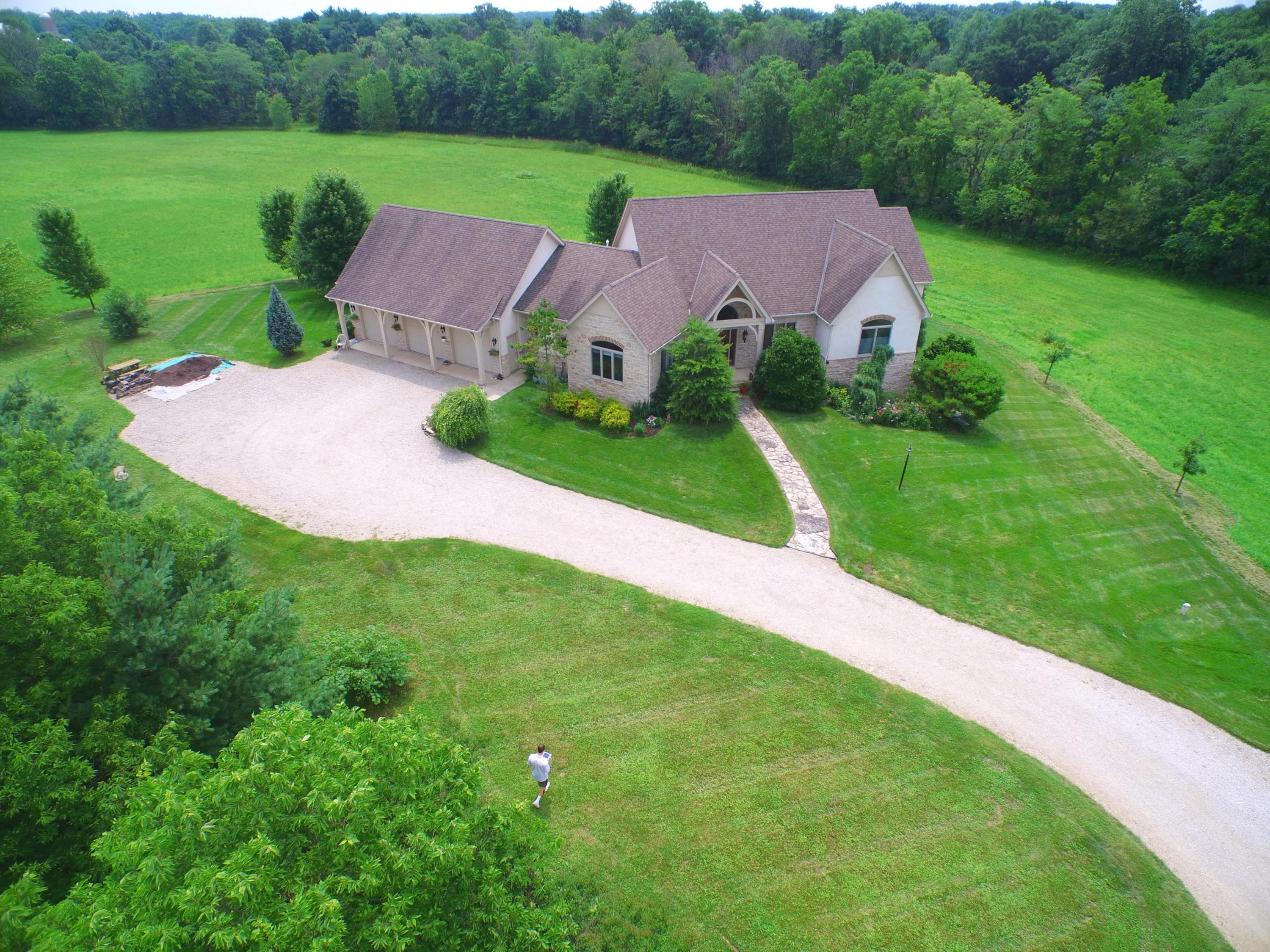 10319 Larcomb Road Property Photo - Ostrander, OH real estate listing