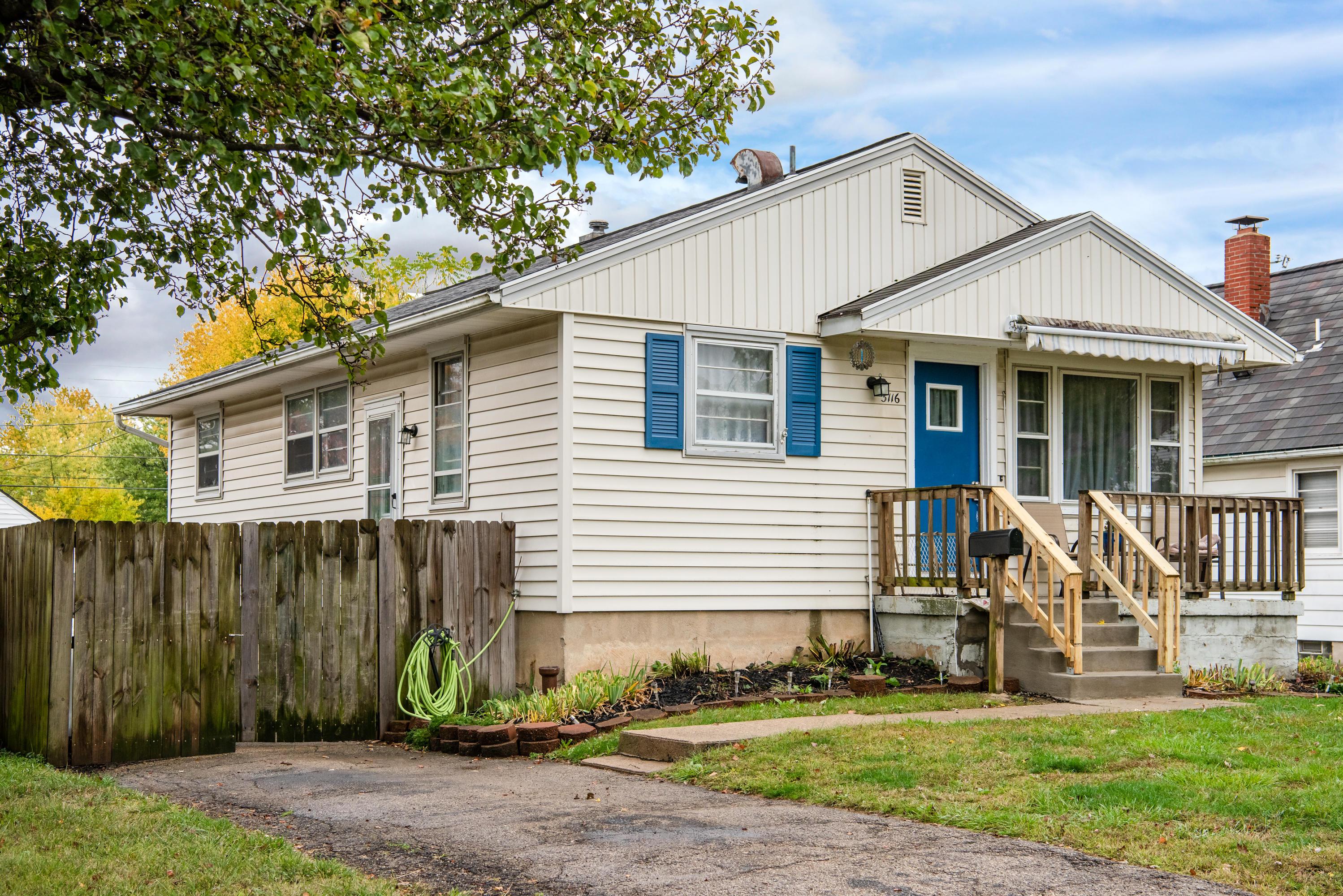 3116 Hobart Avenue Property Photo