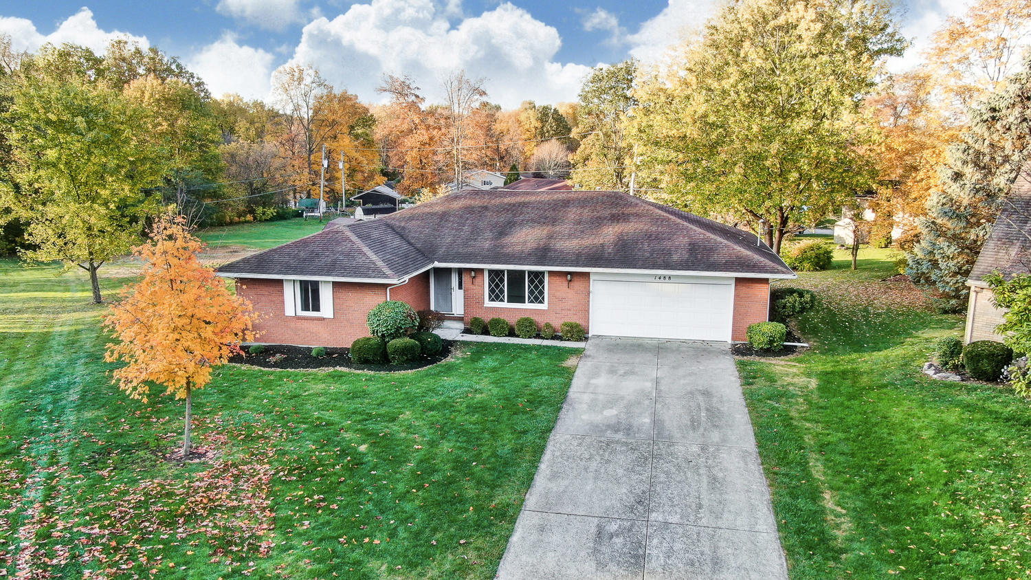 1488 W Shore Drive Property Photo - Lima, OH real estate listing