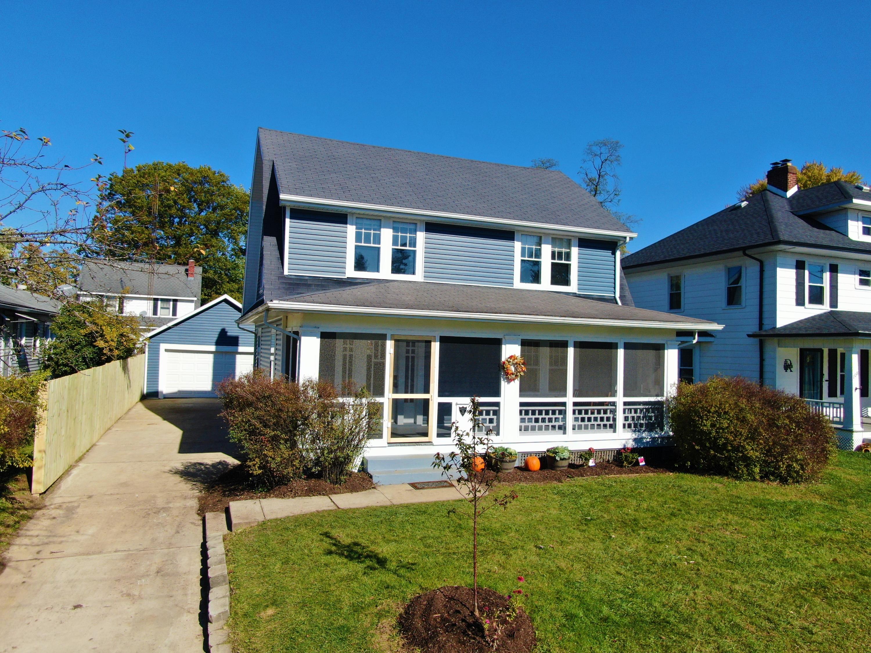 104 E 3rd Street Property Photo 1