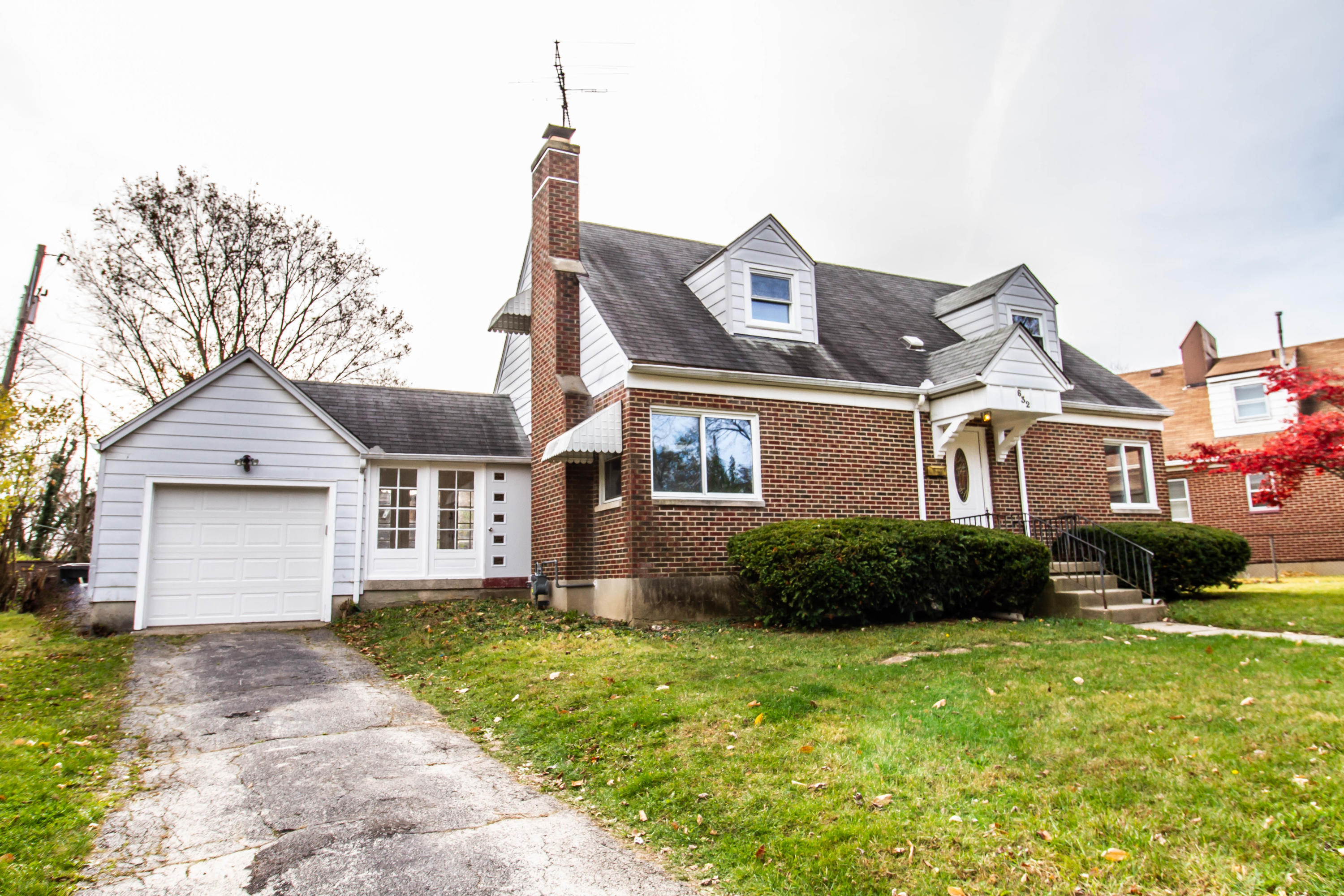 632 Cherry Drive Property Photo - Dayton, OH real estate listing