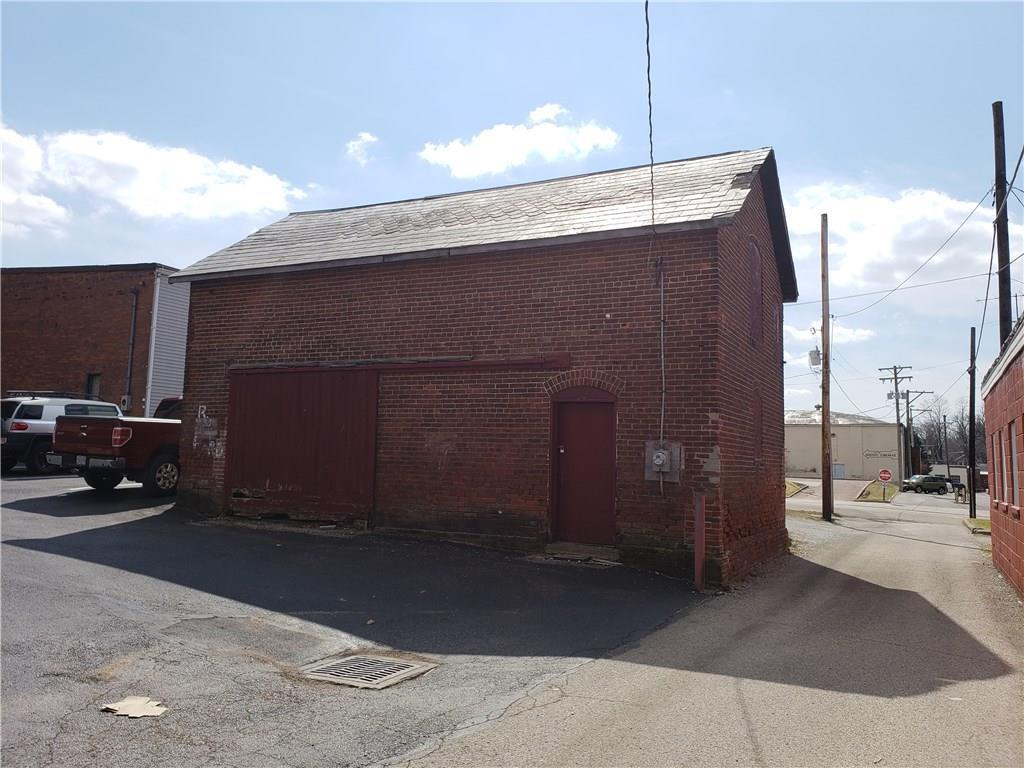 114 S Main Street Property Photo