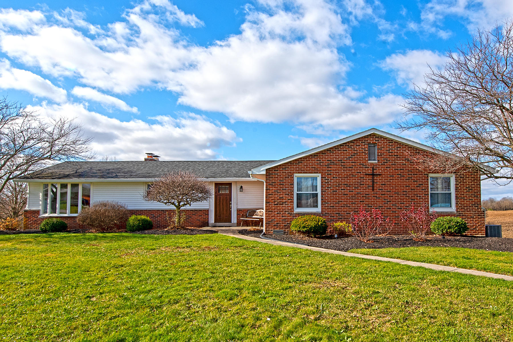 45390 Real Estate Listings Main Image