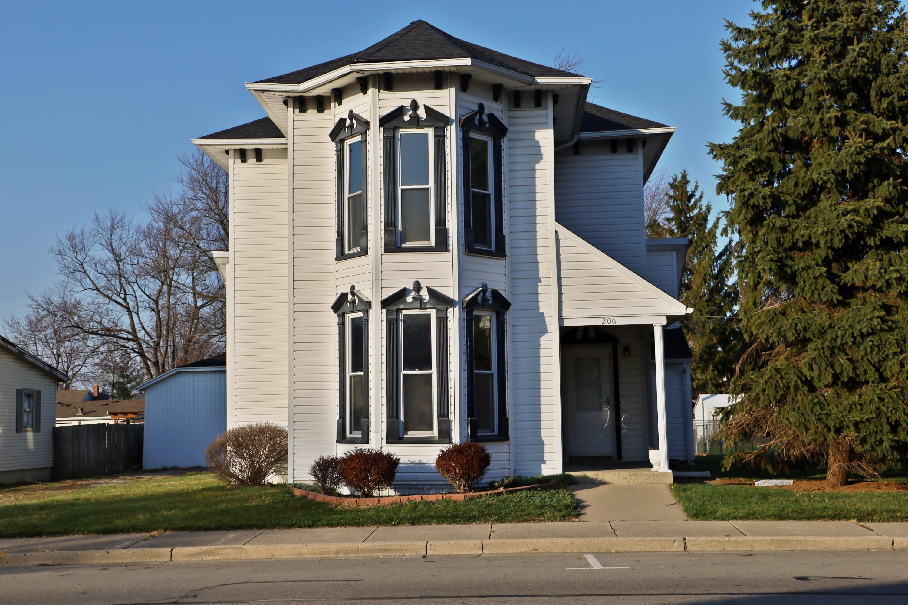 206 W Pike Street Property Photo - Jackson Center, OH real estate listing
