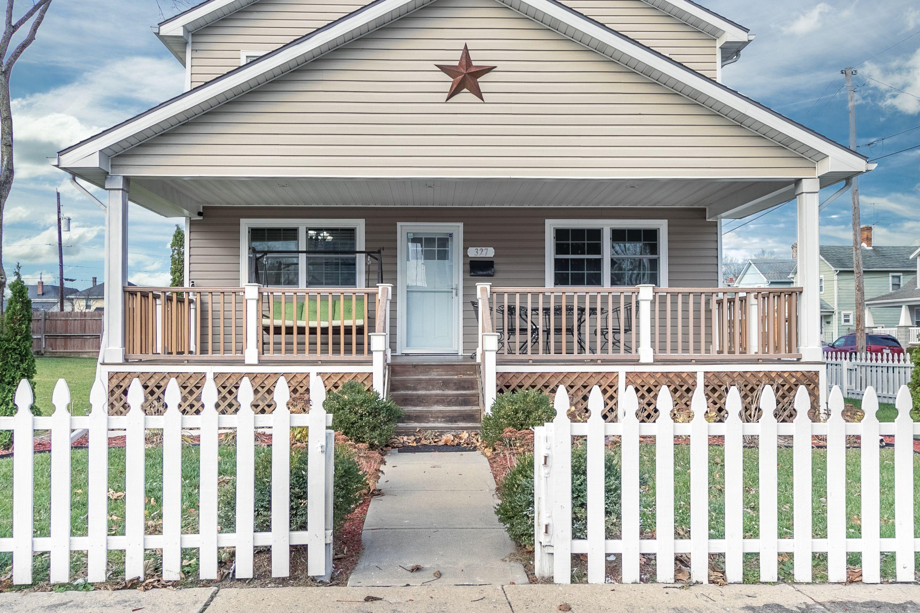 327 N Jackson Street Property Photo