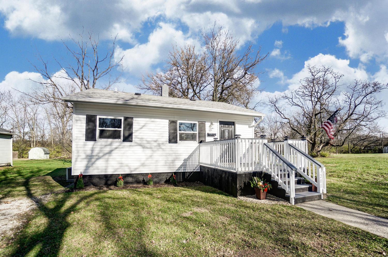 1208 W Perrin Avenue Property Photo