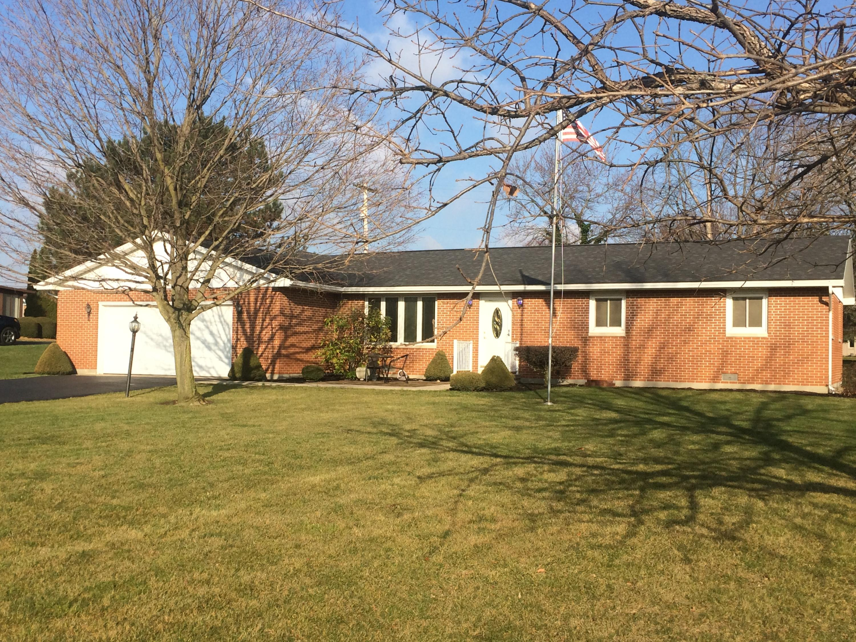 806 Kelley Drive Property Photo - Wapakoneta, OH real estate listing