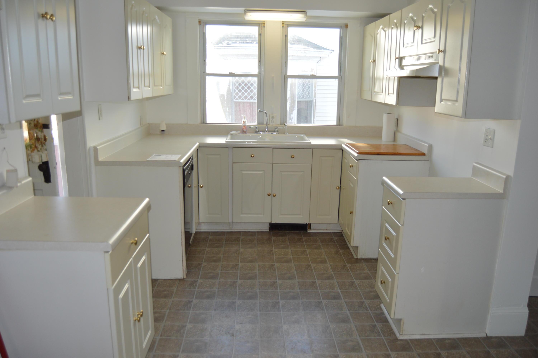 1327 N Limestone Street Property Photo