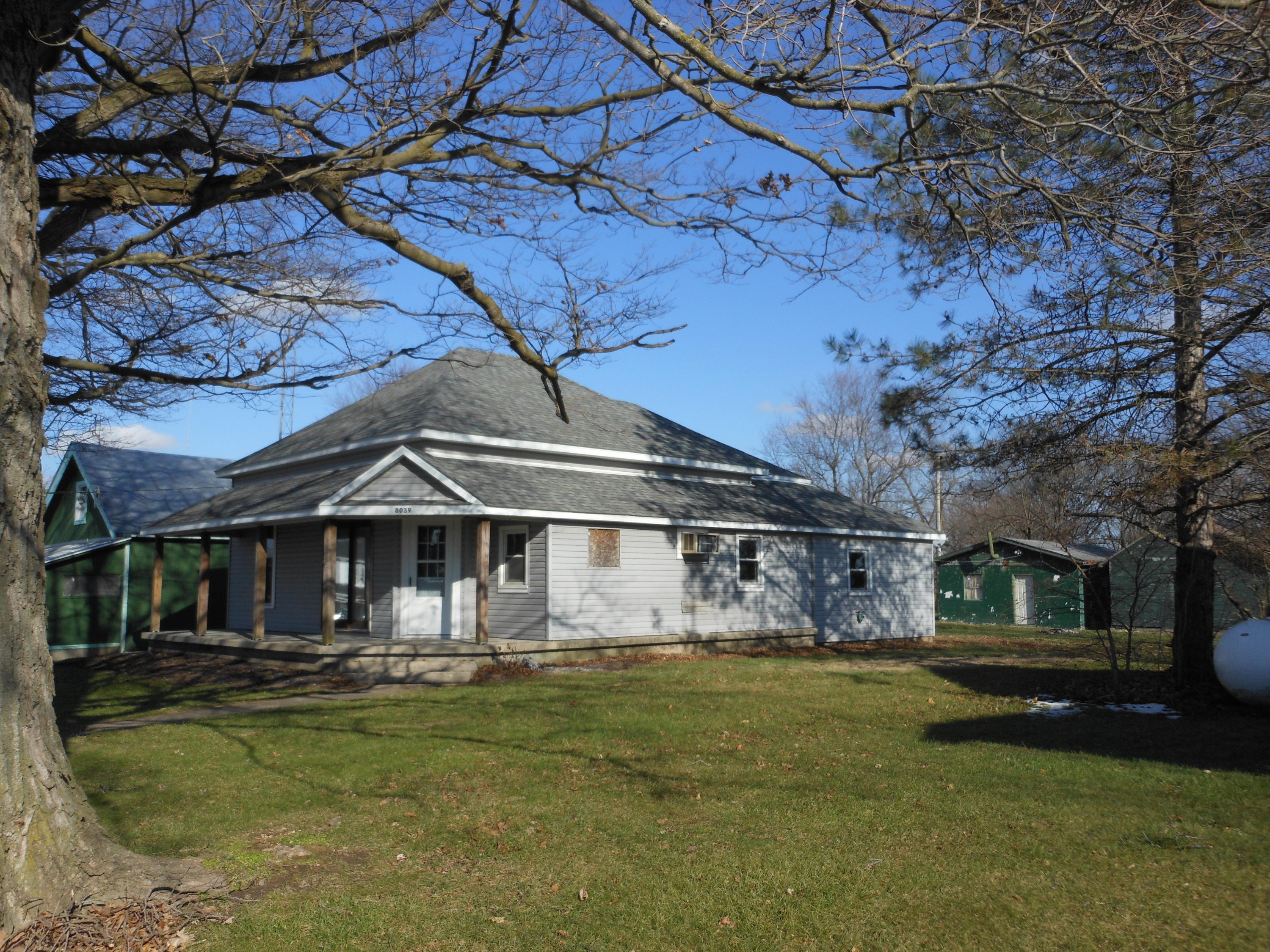 8039 Arcanum Bearsmill Road Property Photo