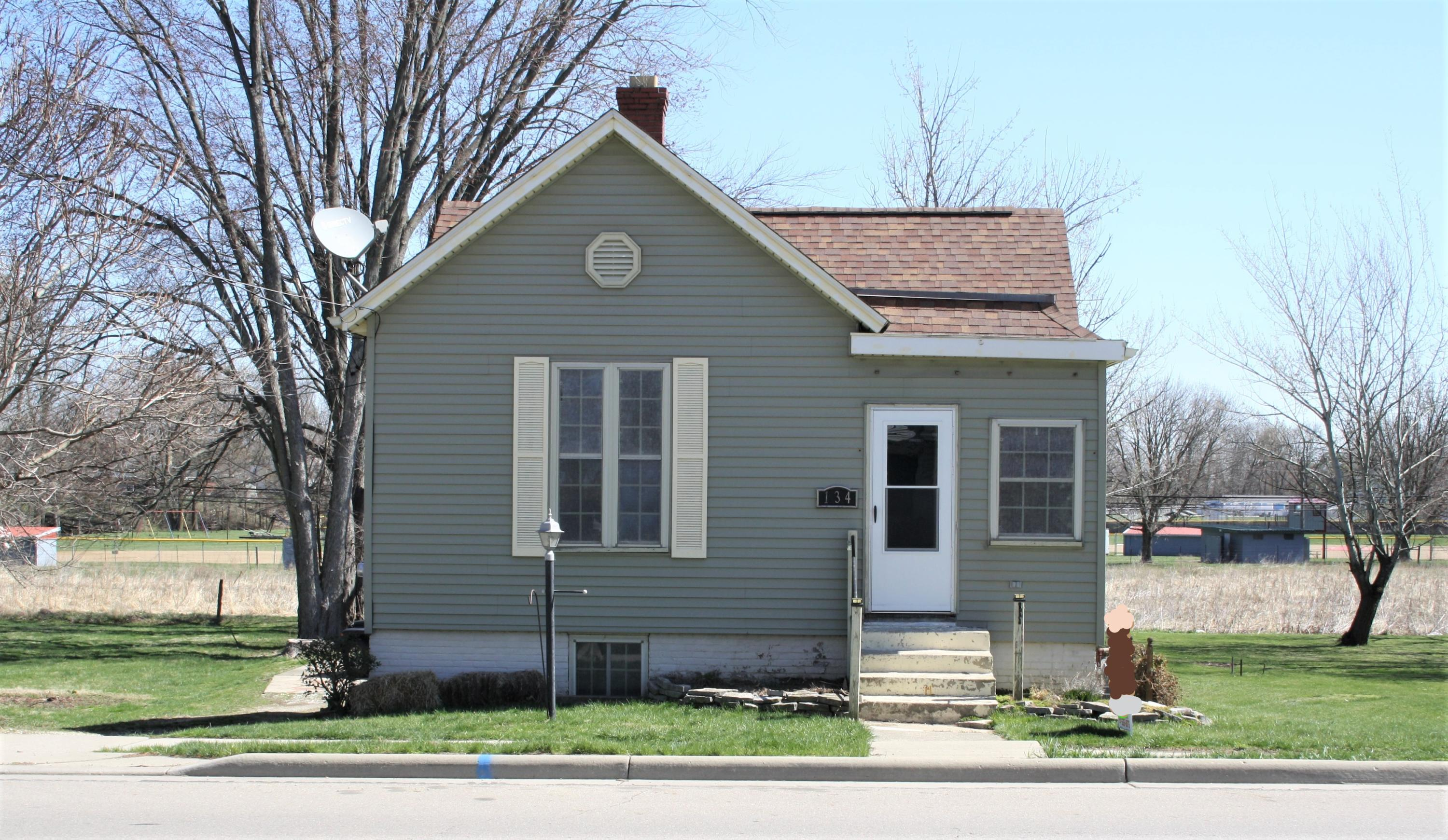 134 N Chillicothe Street Property Photo - South Charleston, OH real estate listing