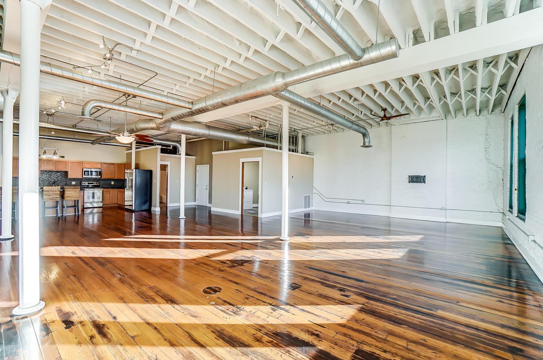 38 W High Street Property Photo 1
