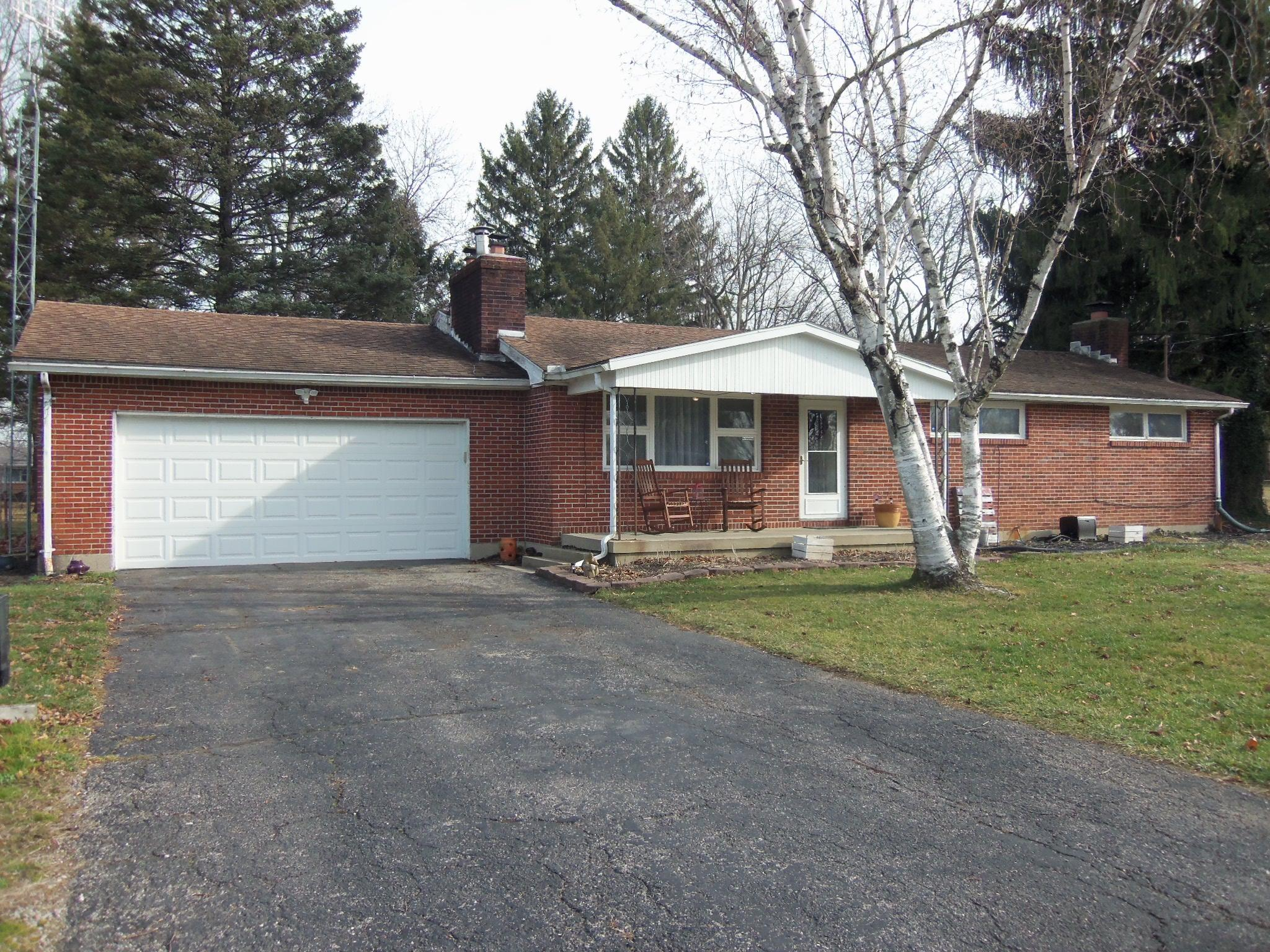 2900 Cumberland Drive Property Photo - Springfield, OH real estate listing