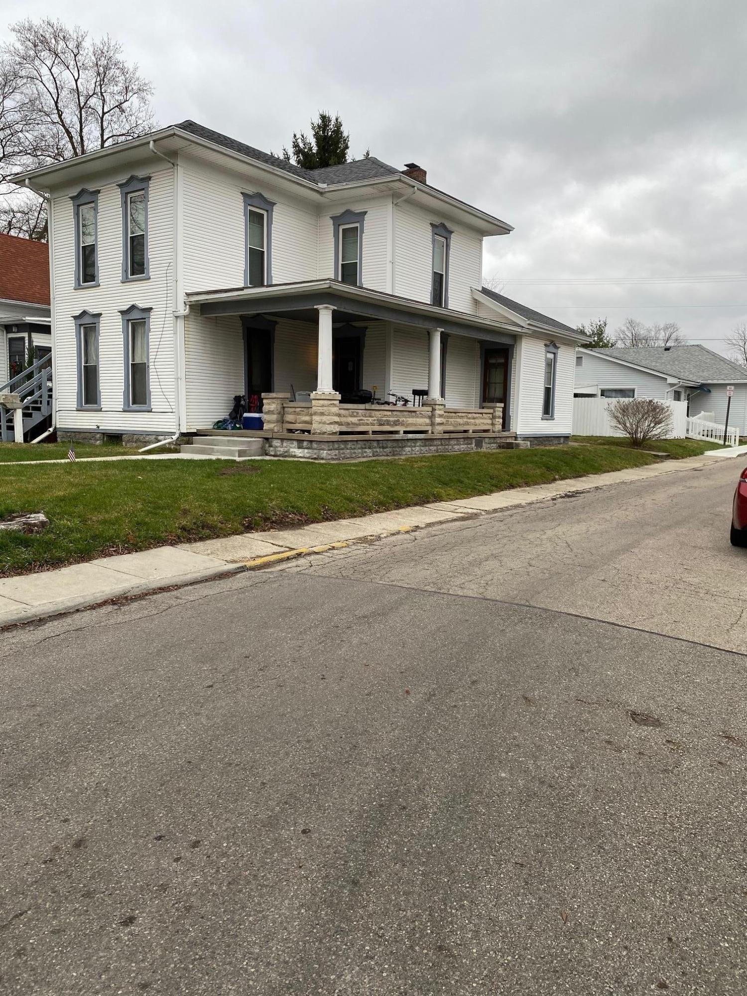 201 E Church Street Property Photo