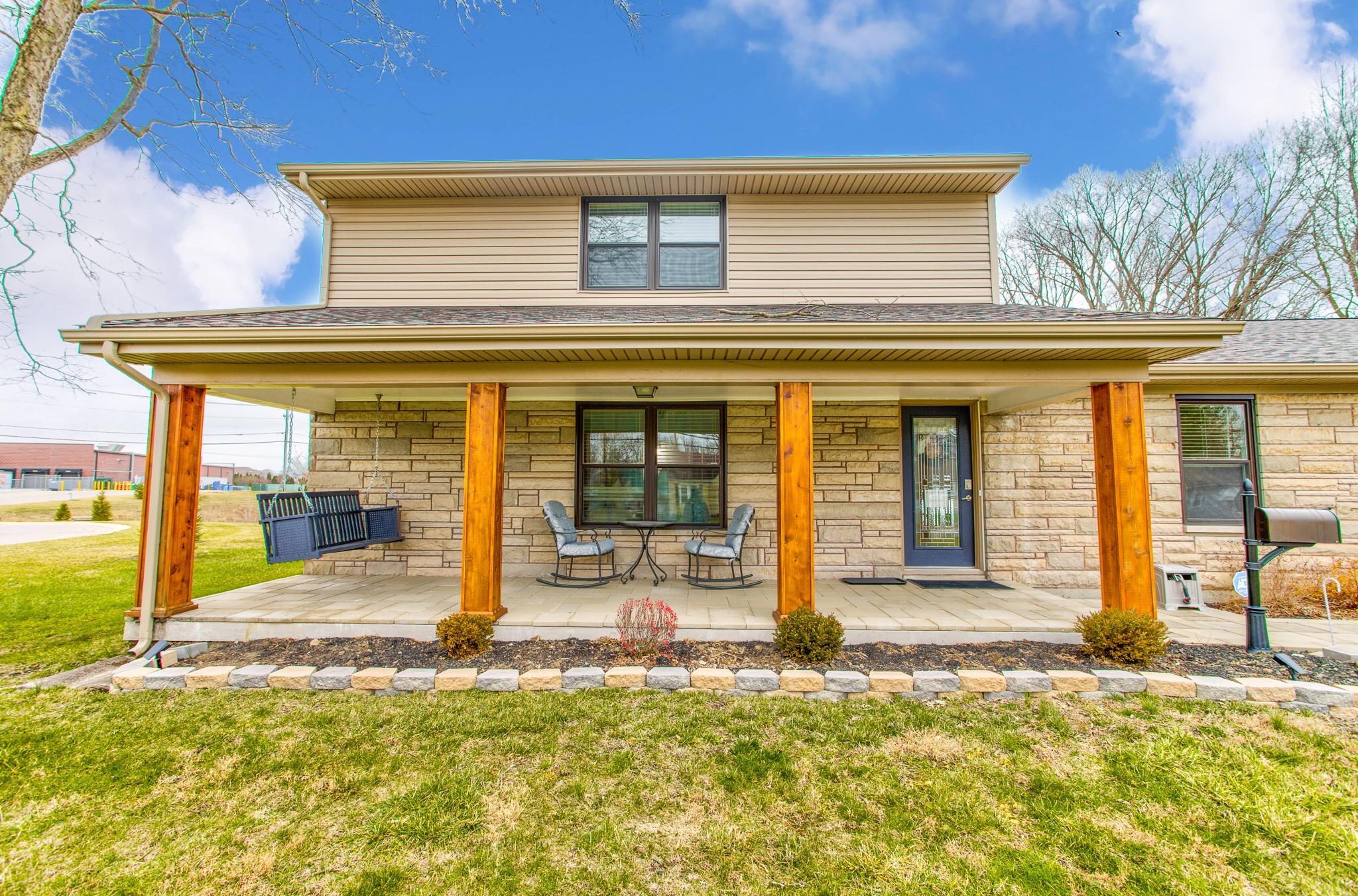 715 W Market Street Property Photo 1