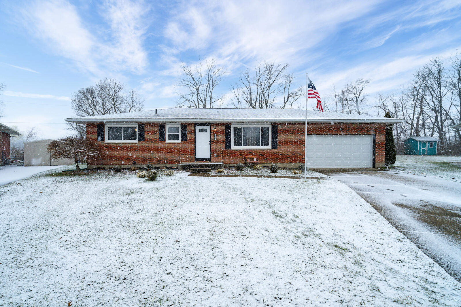 1301 Gardena Court Property Photo - Springfield, OH real estate listing