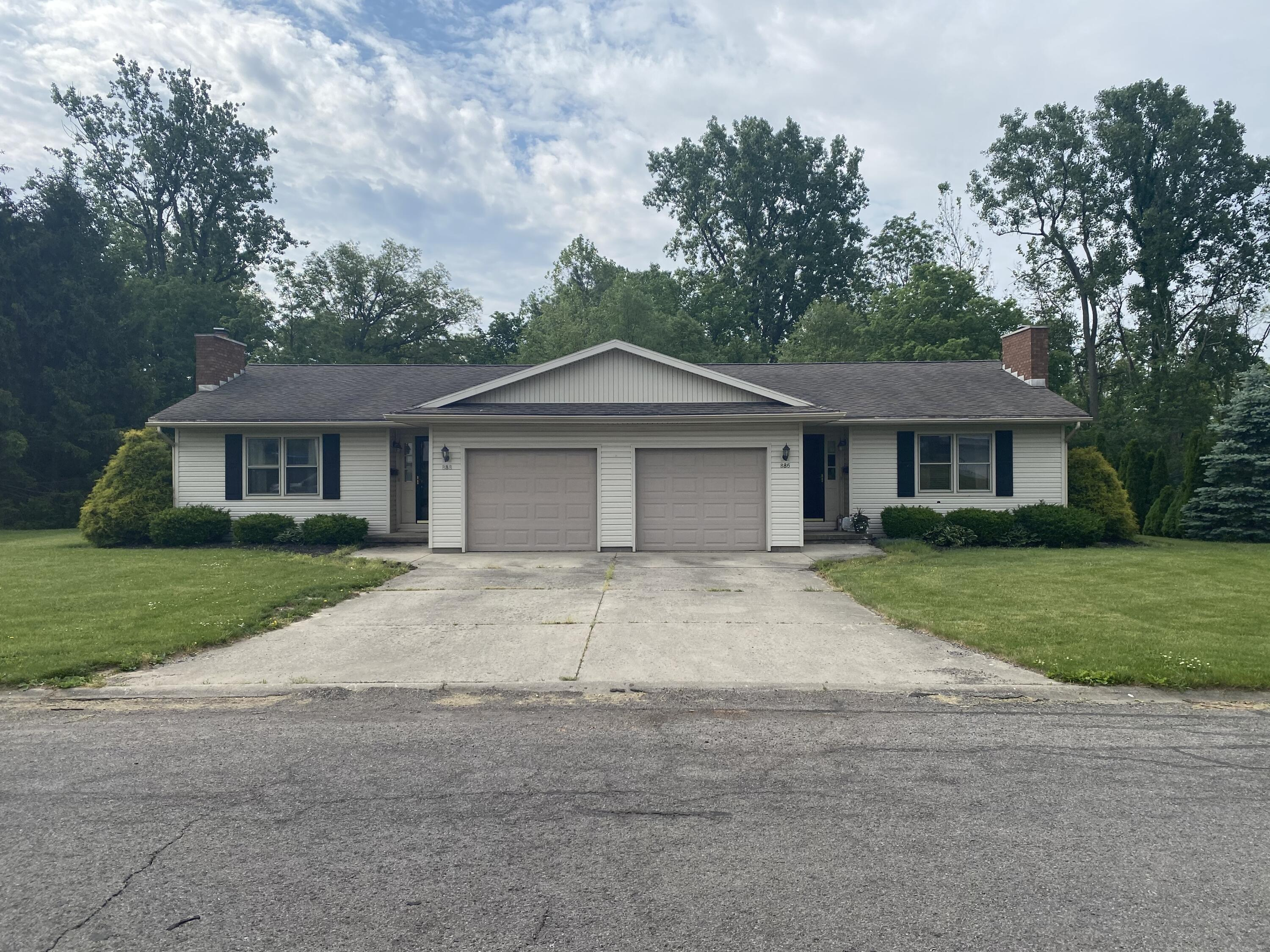 888 Hilltop Drive Property Photo - Bellefontaine, OH real estate listing