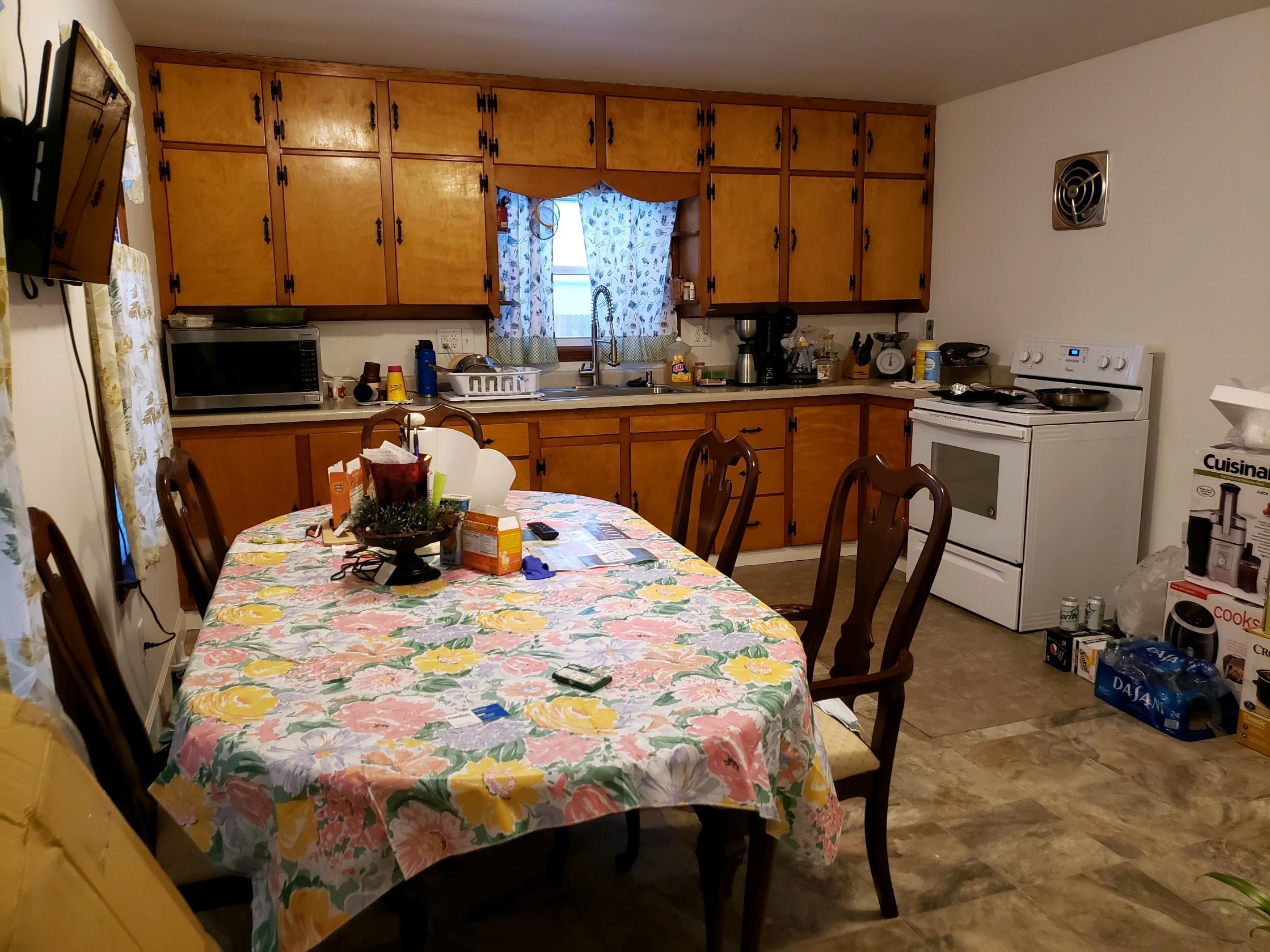648 Cortlandt Avenue Property Photo 3