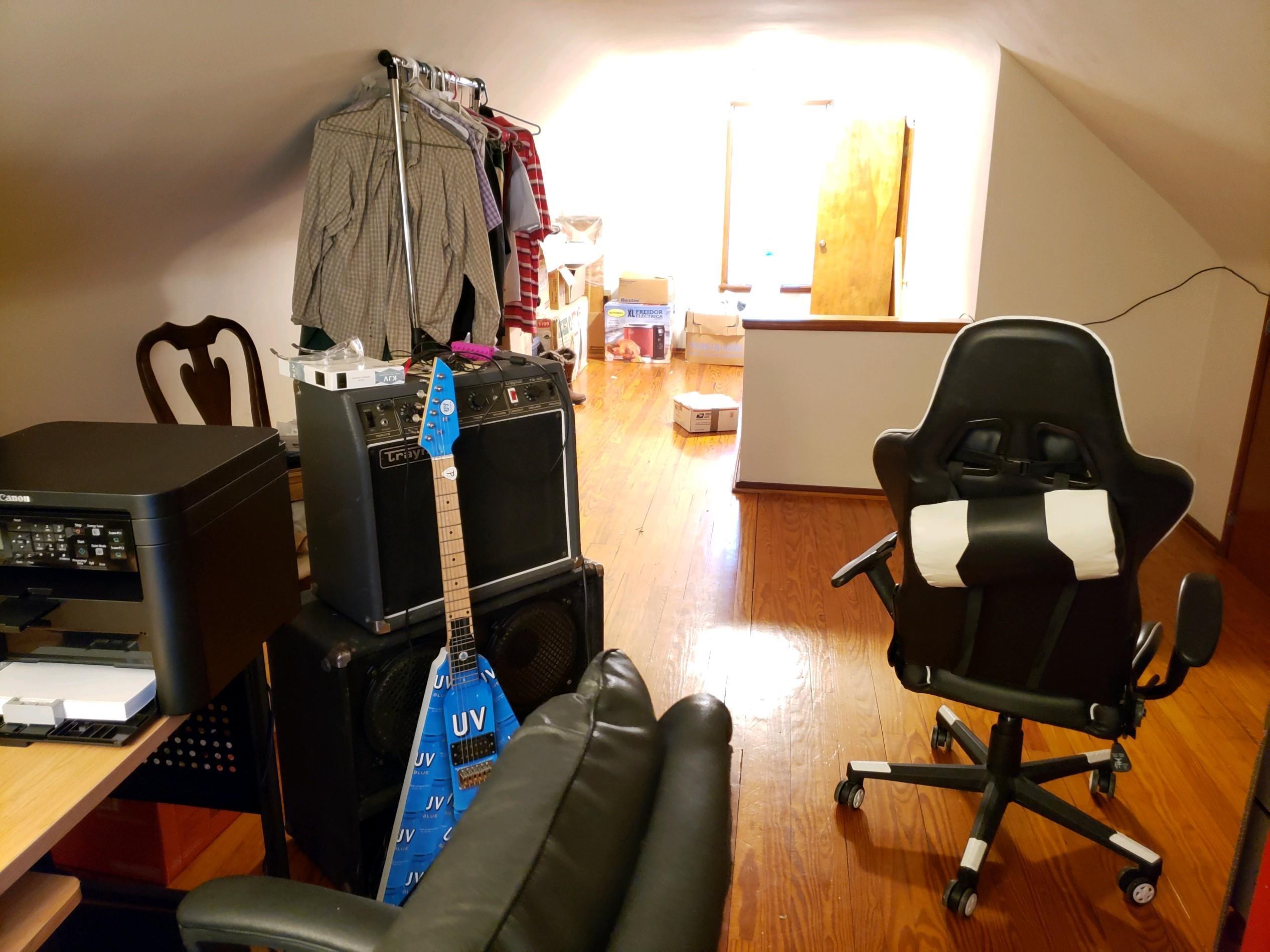 648 Cortlandt Avenue Property Photo 8